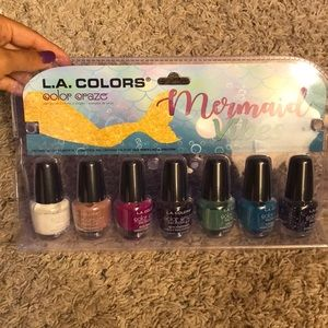 Accessories - NWT 7 pack of nail polishes